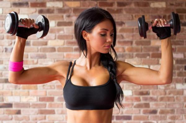 Cómo perder pecho naturalmente - perder pecho con entrenamiento con pesas