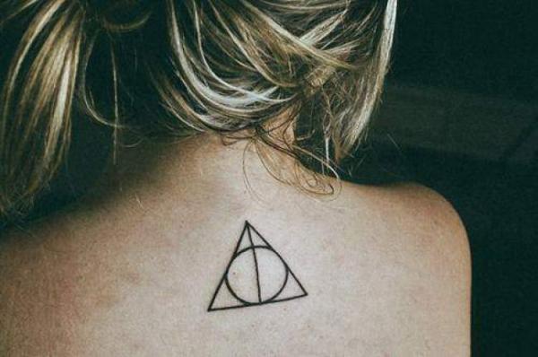¿Cuál es el significado del tatuaje del triángulo? El ciclo de la vida