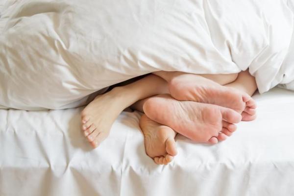 Preguntas para hacerle a tu novio - Divertidas, calientes y vergonzosas - Preguntas CALIENTES para mi novio