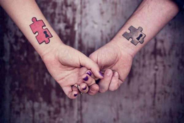 Tatuaje de la amistad - top 10 mejores tatuajes de amigos - piezas de rompecabezas