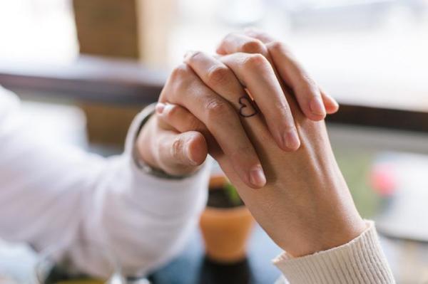 Significado de un tatuaje en los dedos - ¿Cuál es el significado de un tatuaje en los dedos?