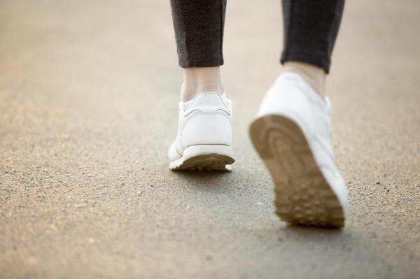 Para adelgazar hay que correr o caminar - ¿Cómo empezar a caminar para adelgazar?