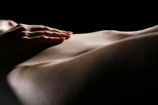 Masaje Yoni: lograr el orgasmo femenino a través del sexo tántrico - Cómo hacer un masaje Yoni - paso a paso