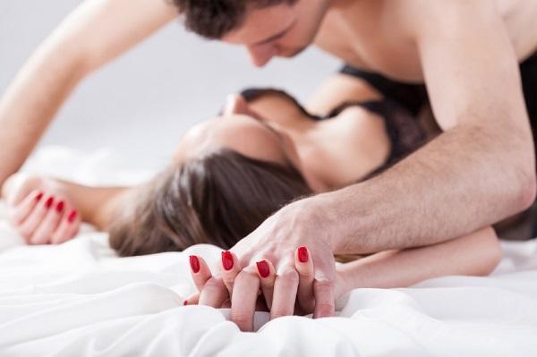 Frases que encienden a una mujer en la cama - Tu me enciendes