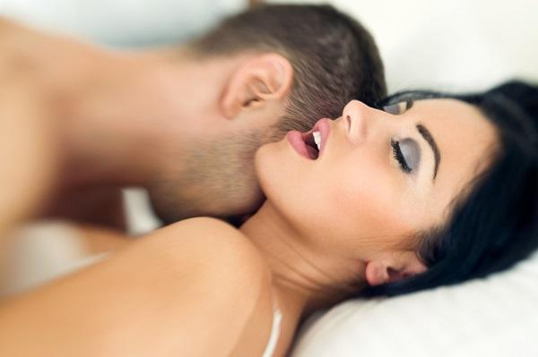 Frases que excitan a una mujer en la cama - quiero que te corras