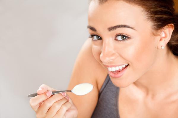 Cómo aumentar sus niveles de progesterona de forma natural: yemas de huevo y productos lácteos
