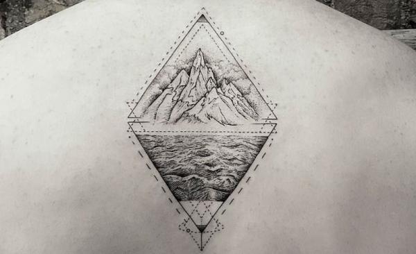 ¿Cuál es el significado del tatuaje de triángulo doble? Significado del tatuaje de dos triángulos opuestos
