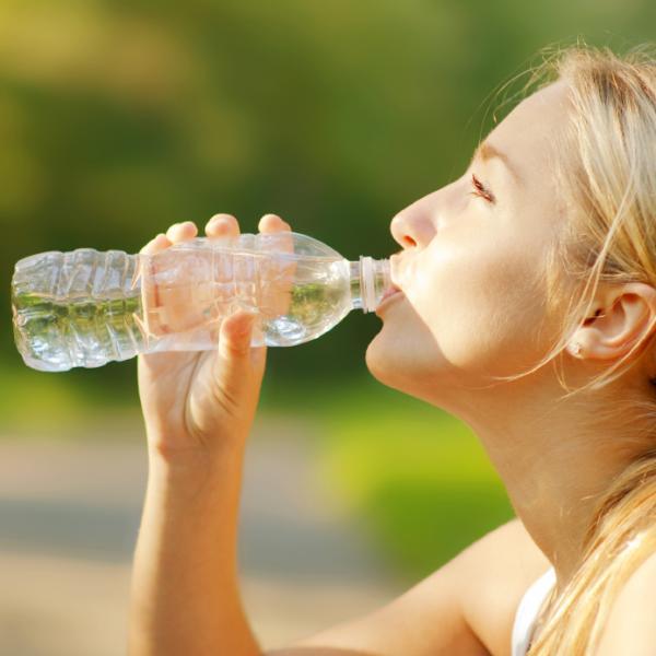 Por qué se hincha el vientre durante la menstruación - síndrome premenstrual - lucha contra la retención de agua
