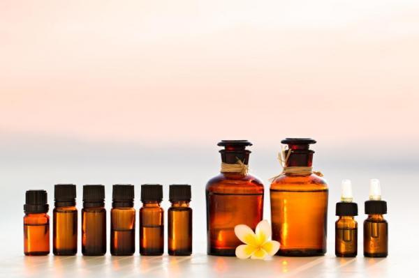 Cómo utilizar los aceites esenciales para aliviar las varices - aceite esencial de ciprés