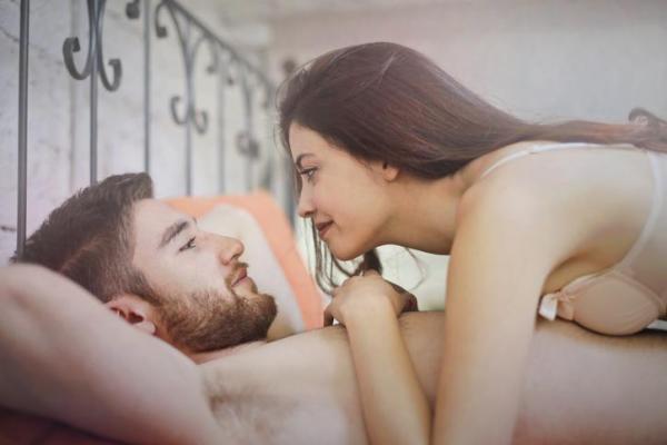 """¿Está bien tener relaciones sexuales una vez al mes?  - """"No hacemos mucho el amor"""" : sexualidad en pareja"""
