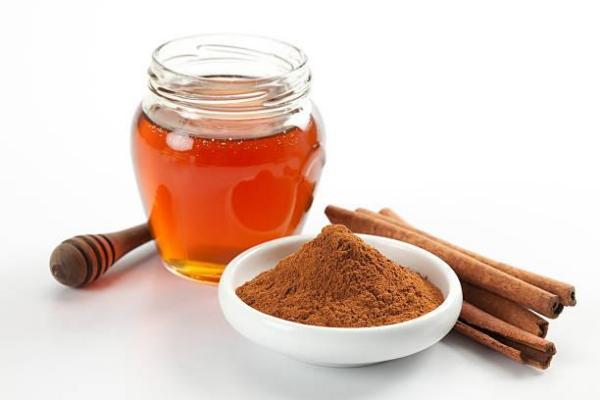 Mascarilla casera de espinillas - Mascarilla de miel y canela