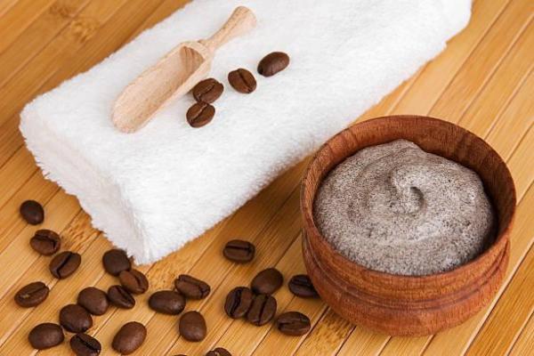 Mascarilla casera de espinillas - Mascarilla de café y yogur