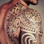 Significado de los tatuajes maoríes – diseños y símbolos