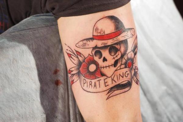 ¿Por qué se me cae la tinta del tatuaje?