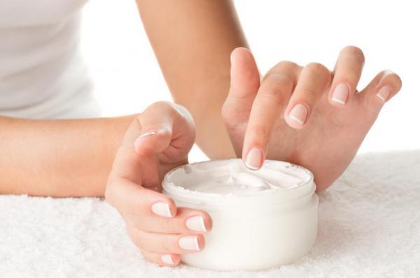 Cómo agrandar los senos de forma natural: agrandar los senos con crema casera
